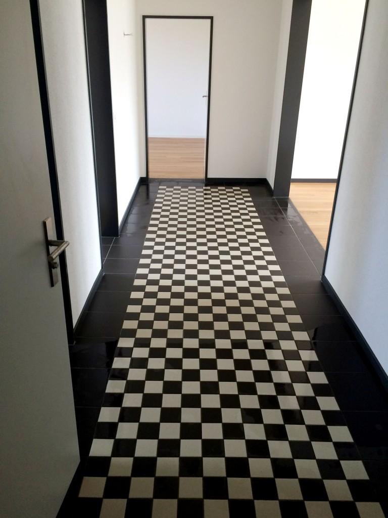 Korridor im Schachbrettmuster, Weid 2, Bischofszell