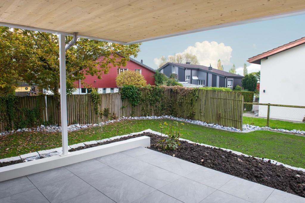 Gartenplatten im Splitt verlegt, EFH Altenrhein